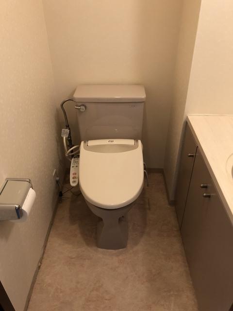 トイレ、before